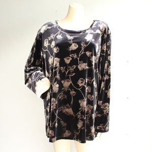 Velour Floral Black Rose Print Top